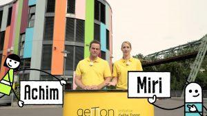 Achim und Miri von geTon vor der Uni Wuppertal